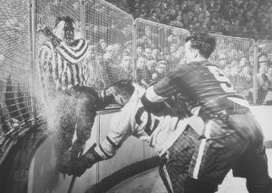 Non-female Gordie Howe demonstrates sexual asymmetry on the ice.