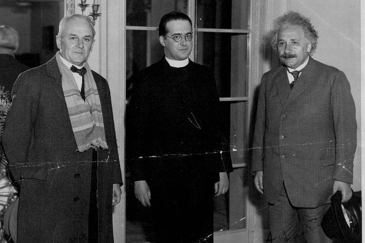 Robert Millikan, Georges Lamaitre, and A. Einstein (with hat).